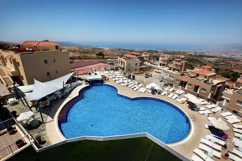 Vacanza estiva a Cipro! 7 notti in hotel & spa a 4 stelle più volo ...