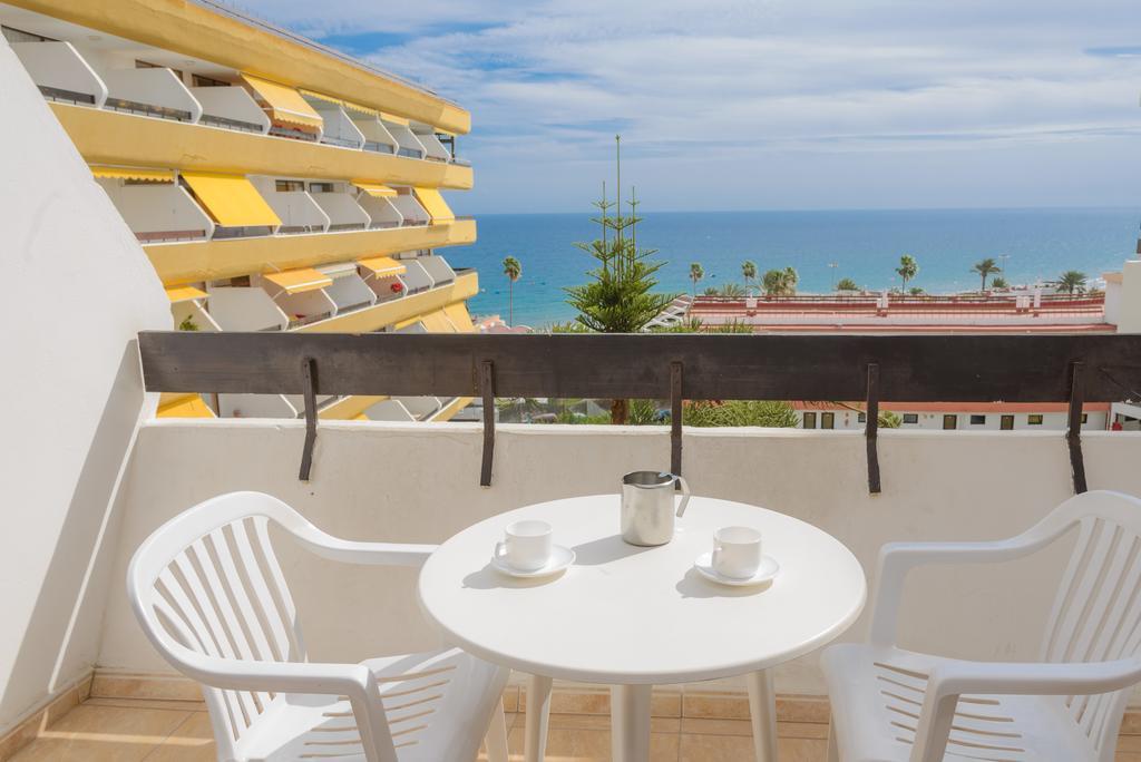 Vacanze alle canarie 7 notti in buon aparthotel con piscina a gran canaria voli a r da roma a - Piscina laghetto playa prezzo ...