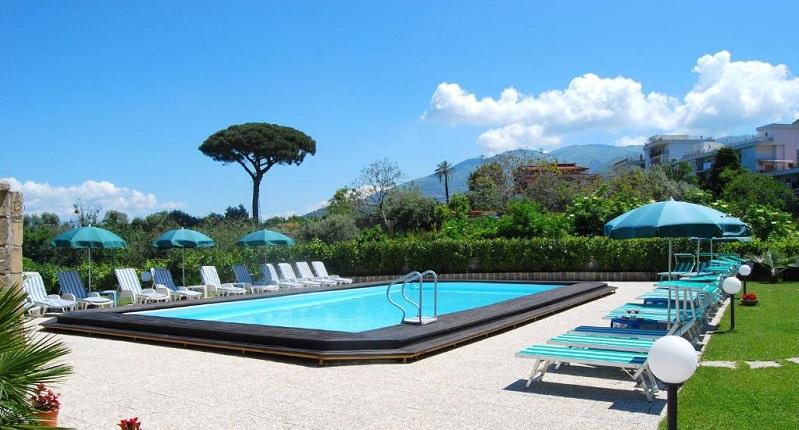 Soggiorno a 4 stelle in campania camera doppia in ottimo hotel con piscina colazione inclusa - Hotel piscina in camera ...