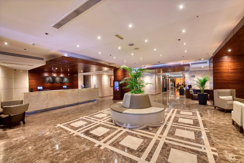 Lusso a dubai soggiorno presso ottimo hotel a 4 stelle a for Soggiorno dubai